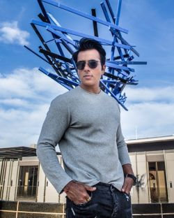 Sonu Sood Launches New Scholarship Programme For Ias Aspirants